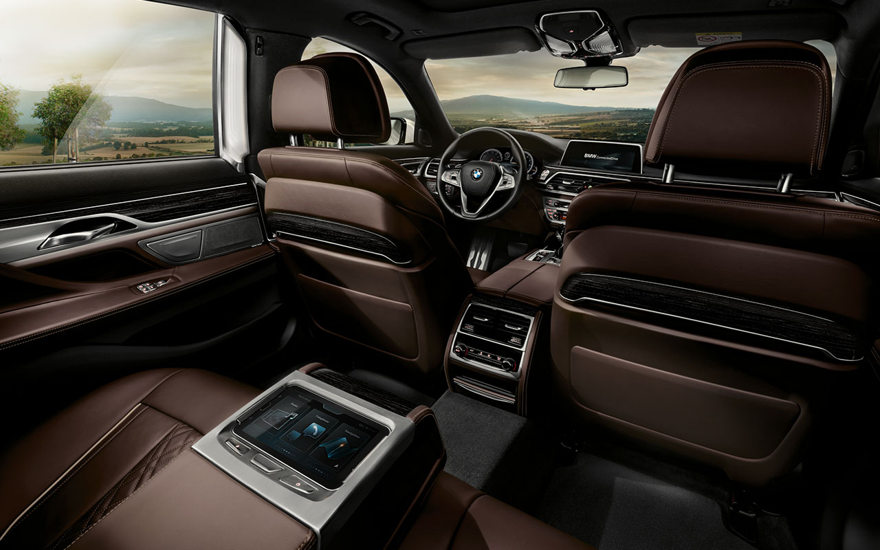 2016 BMW 750i XDrive Luxury Interior 14 Sep 2017 1626