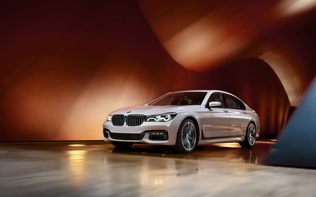 2016 BMW 750i xDrive Pearl Front Exterior