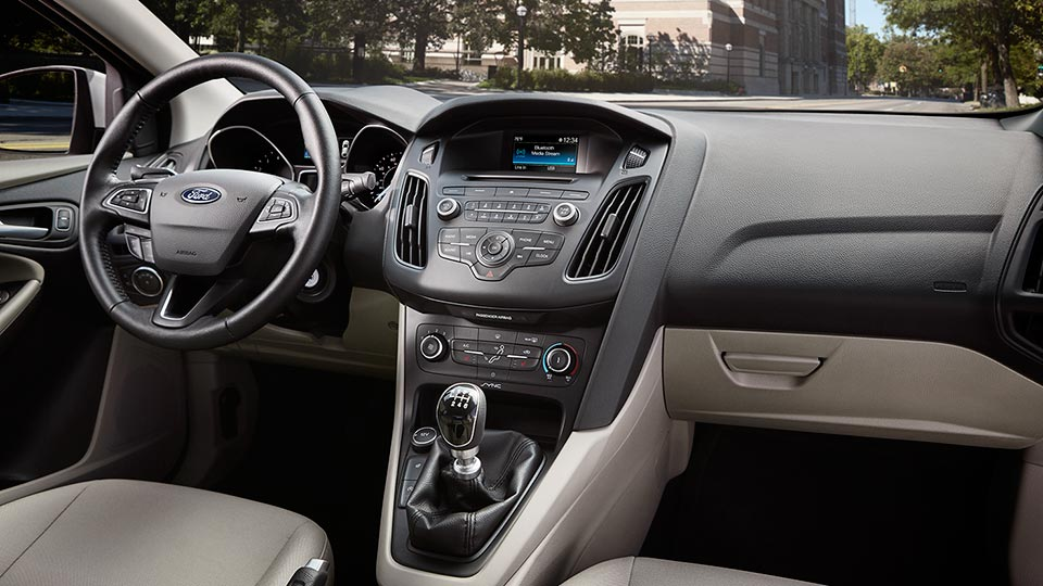 2016 Ford Focus Premium Interior
