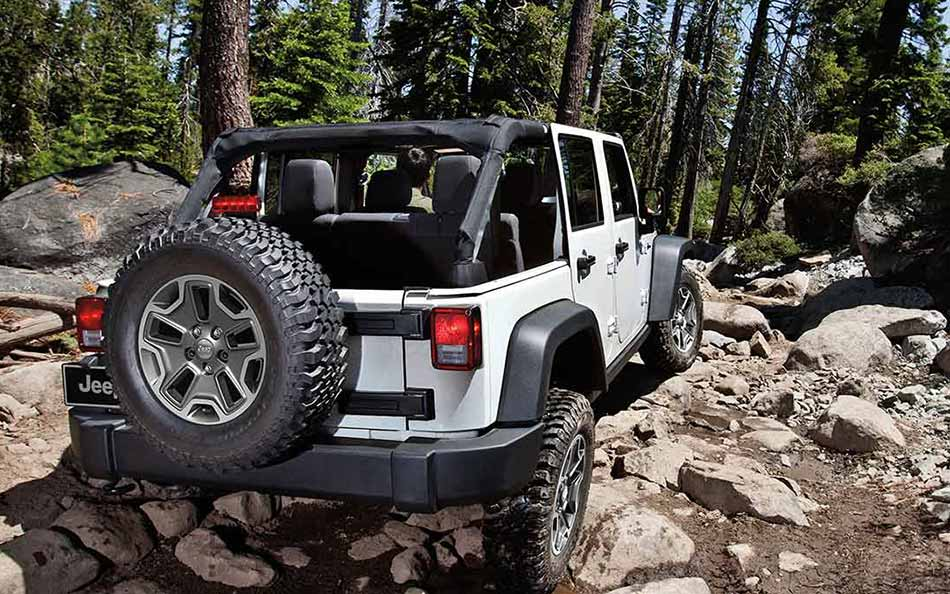 2016 Jeep Wrangler Unlimited Rock Climbing