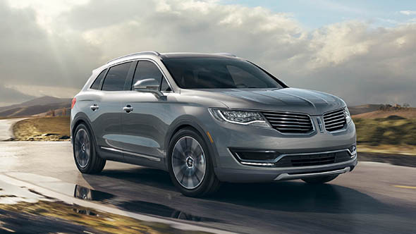 2016 Lincoln MKX Exterior On The Road