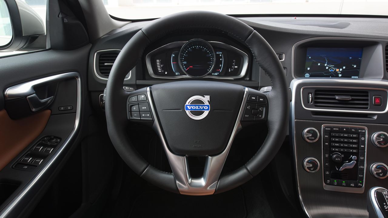 2016 Volvo S60 Interior Steering Detail