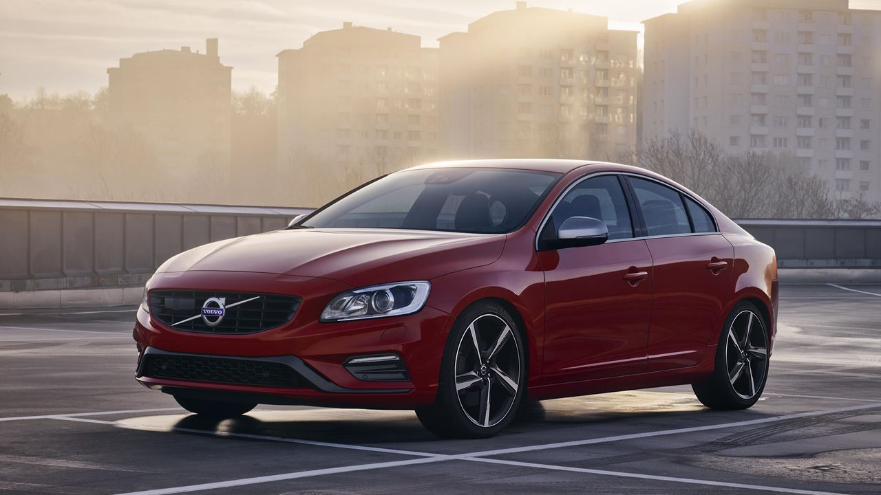 2016 Volvo S60 Red Exterior Close