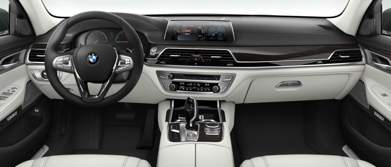 2017 BMW 740i xDrive Interior