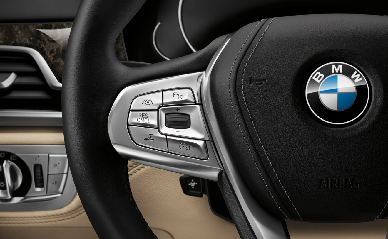 2017 BMW 750i xDrive Wheel Interior