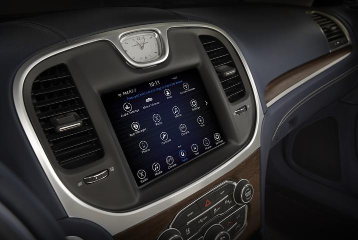 2017 Chrysler 300 Limited Dashboard Interior