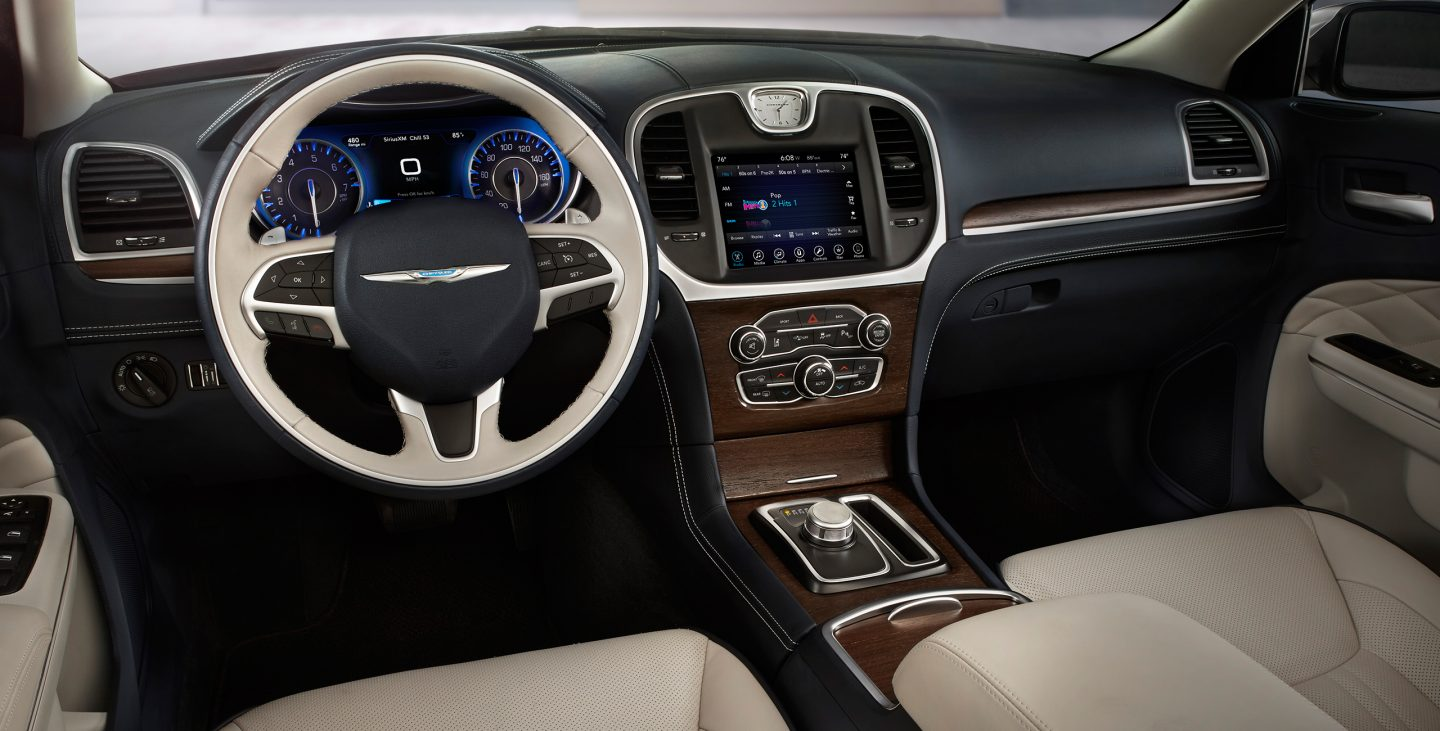 2017 Chrysler 300 Front Dash Interior