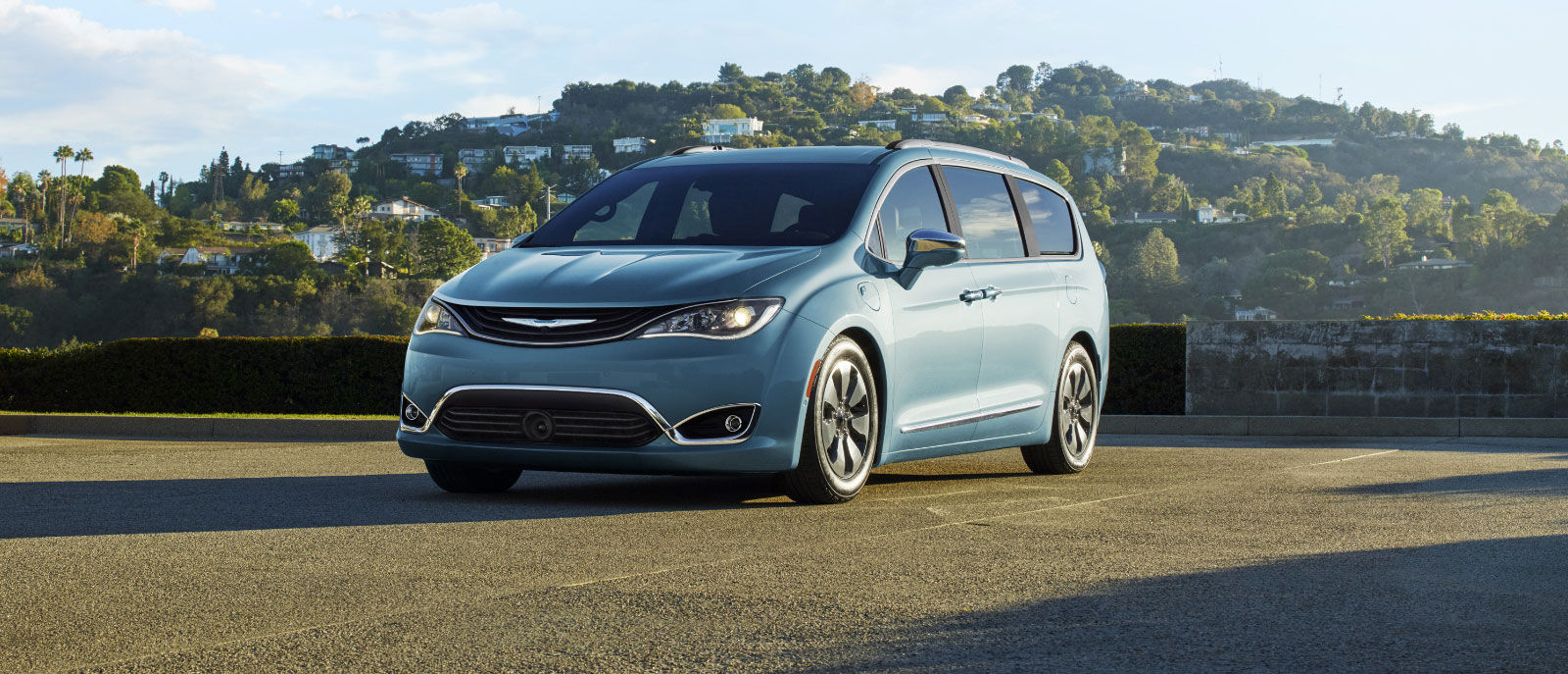 2017 Pacifica Touring Blue Exterior