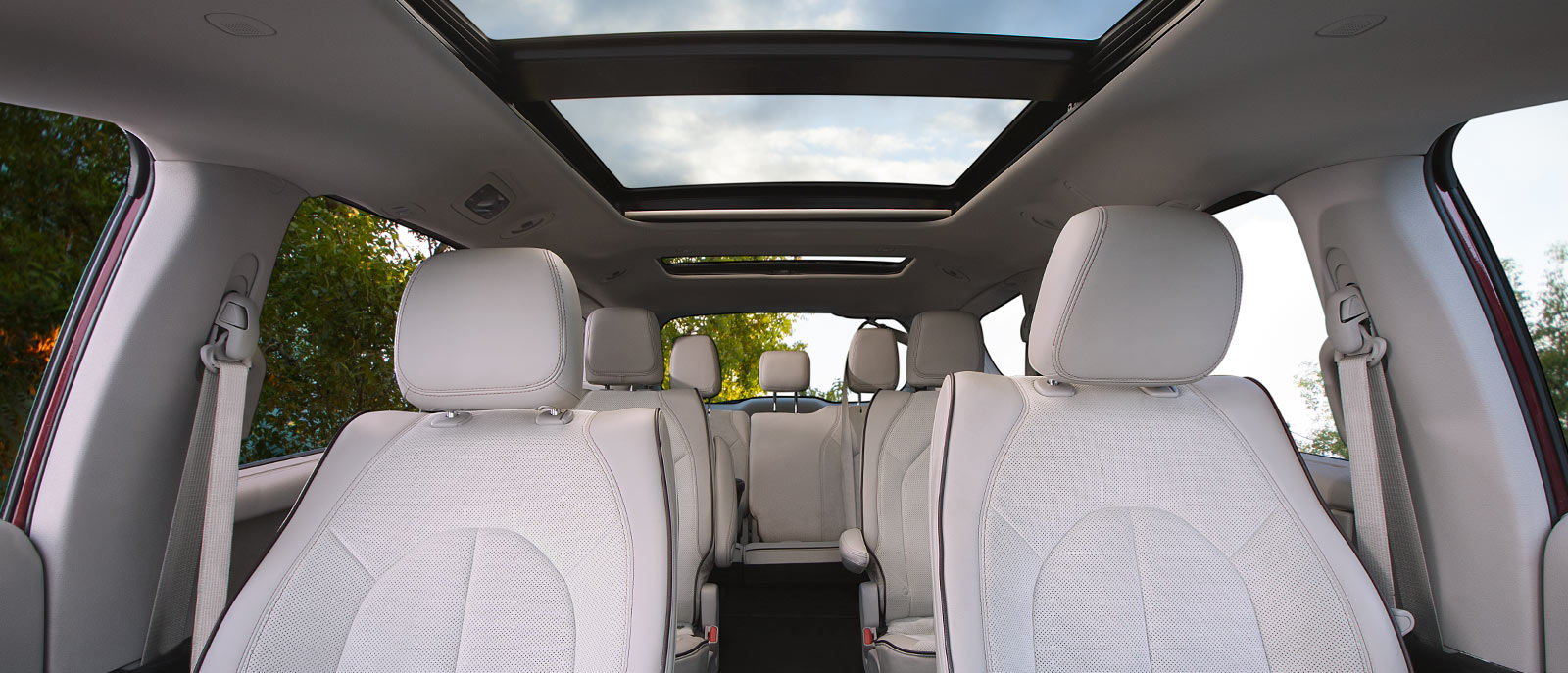 2017 chrysler pacifica liberty chrysler jeep rapid city sd for Chrysler pacifica 2017 interior