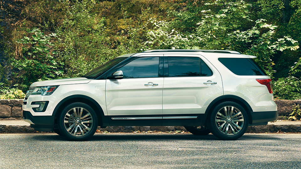 2017 Ford Explorer Side Exterior White