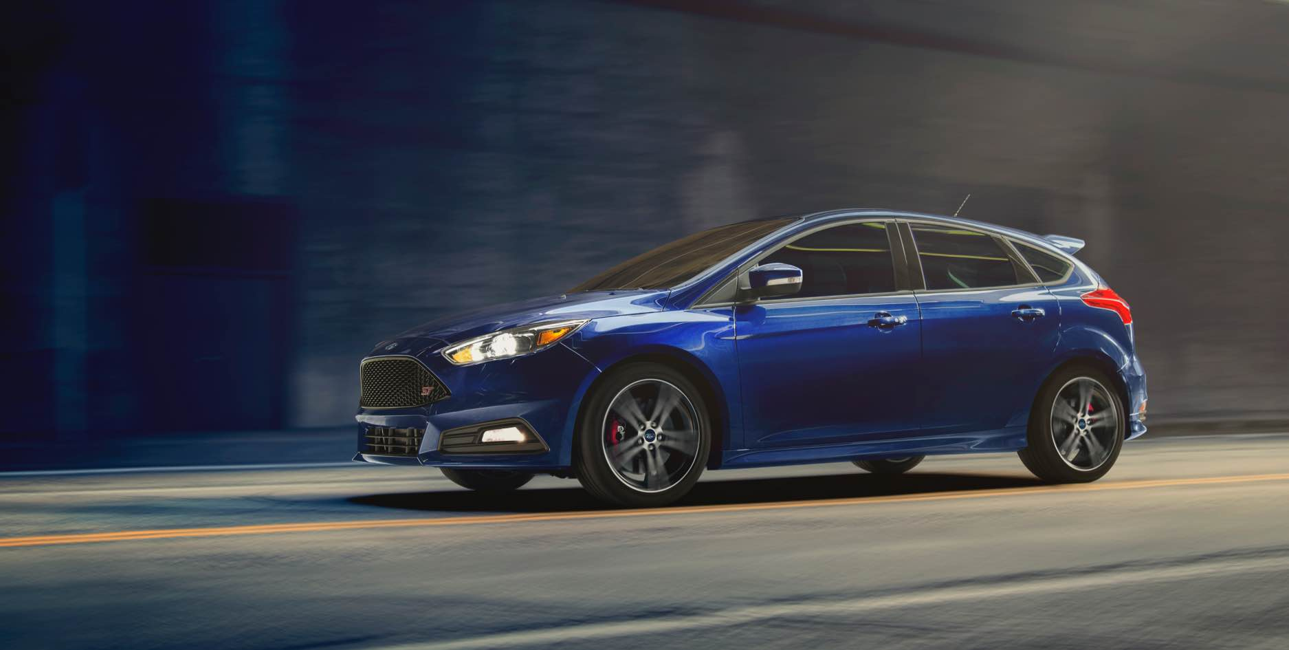 2017 ford focus st blue exterior side view jpg