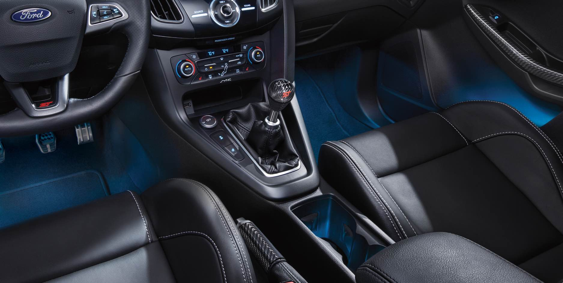 2017 Ford Focus St Front Interior Detail