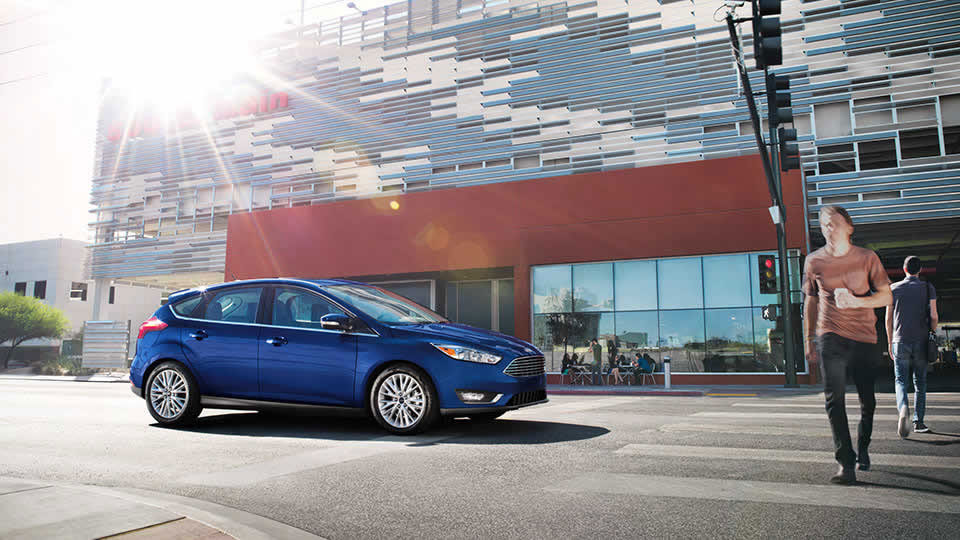 2017 Ford Focus Blue Side Exterior