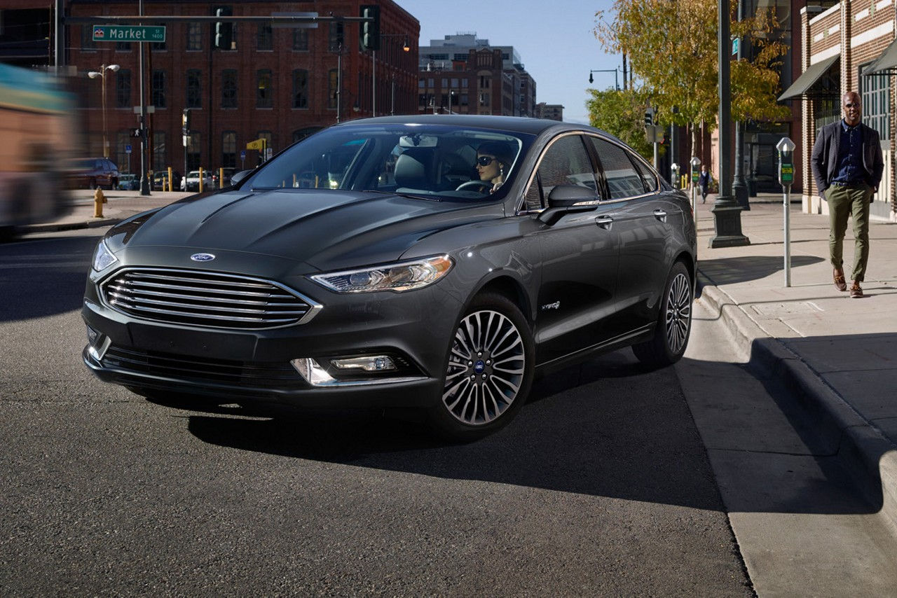 fusion ford hybrid platinum se interior efficiency levels carsdirect front fuel side exterior features