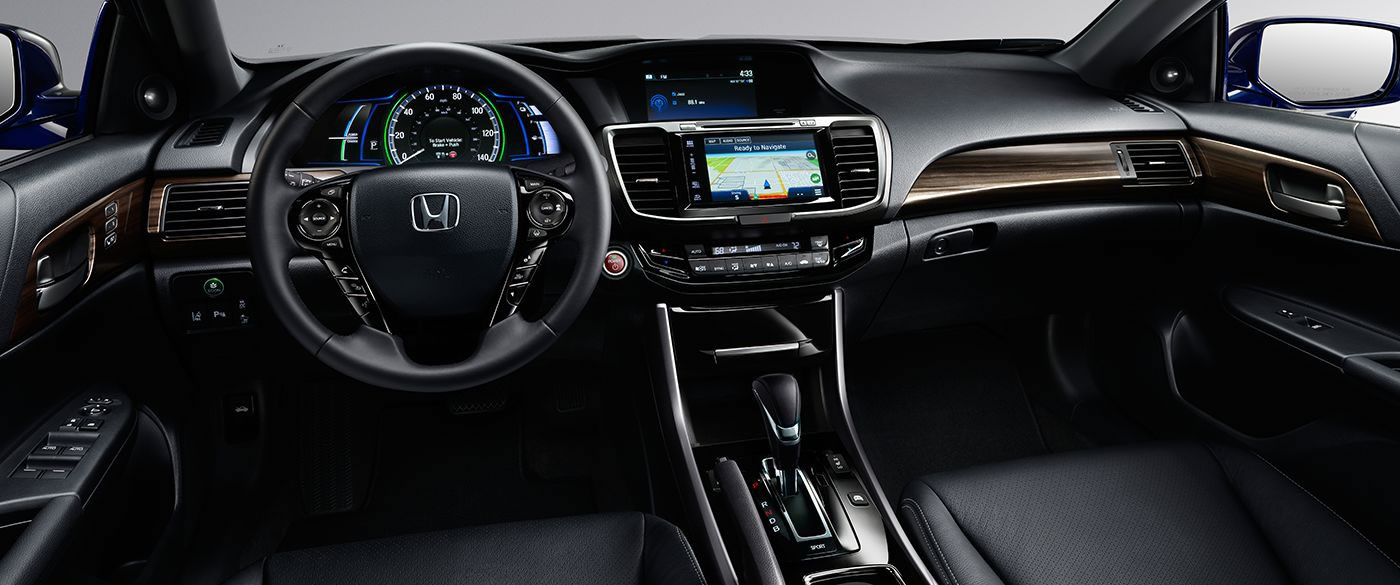 2017 Honda Accord Side Interior Seating And Dash