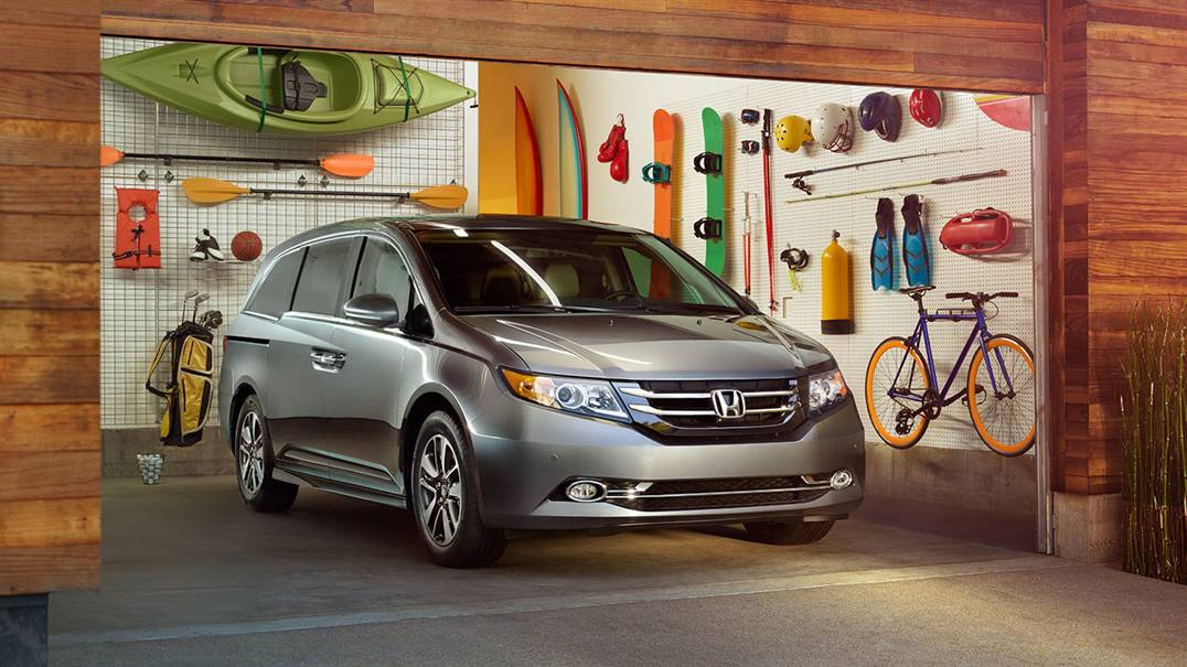 2017 Honda Odyssey Light Gray Front Exterior in Garage