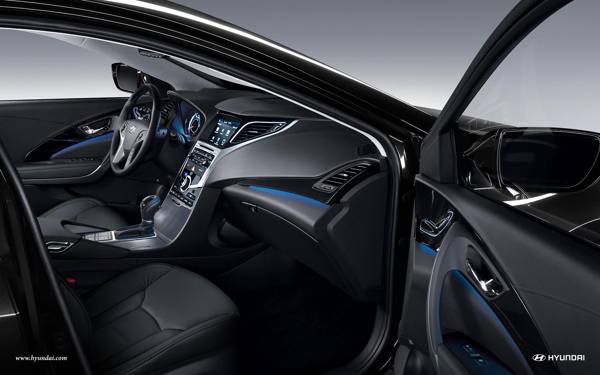 2017 Hyundai Azera Front Seating Interior