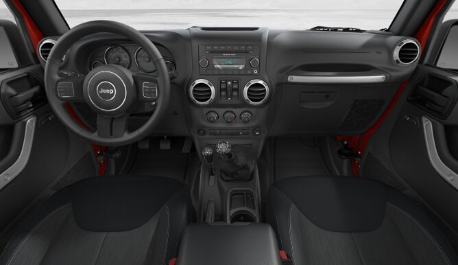 2017 Jeep Wrangler Unlimited Sahara Two Tone Dashboard Interior