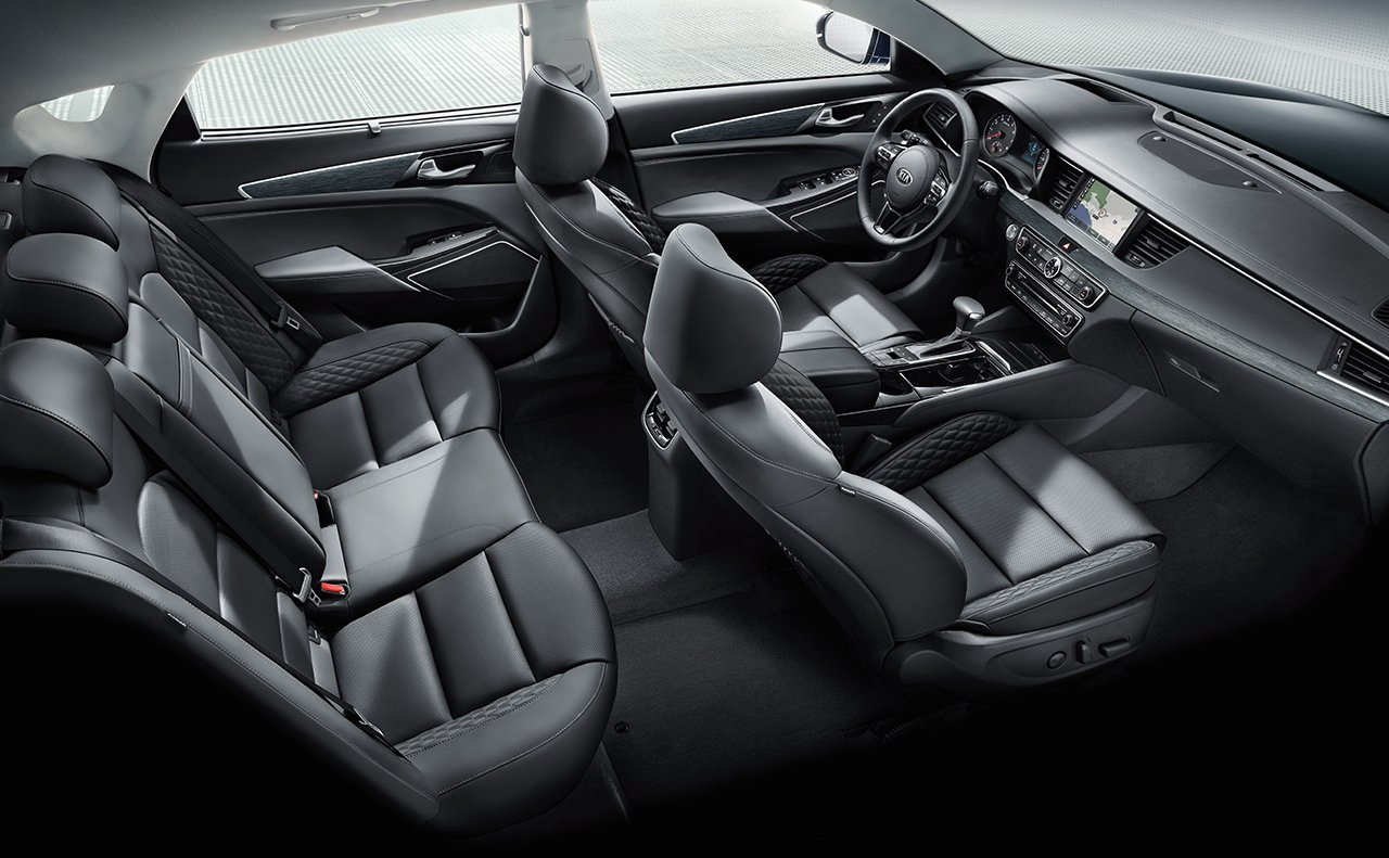 2017 Kia Cadenza Seating Interior