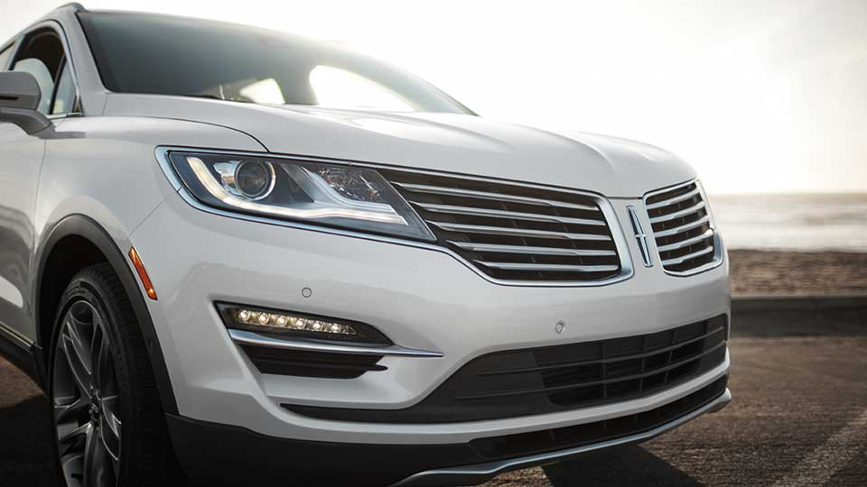 2017 Lincoln MKC Front Exterior White
