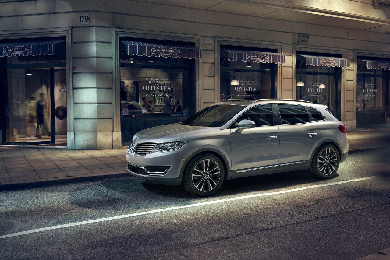 2017 Lincoln MKX Select Silver Side Exterior.jpeg