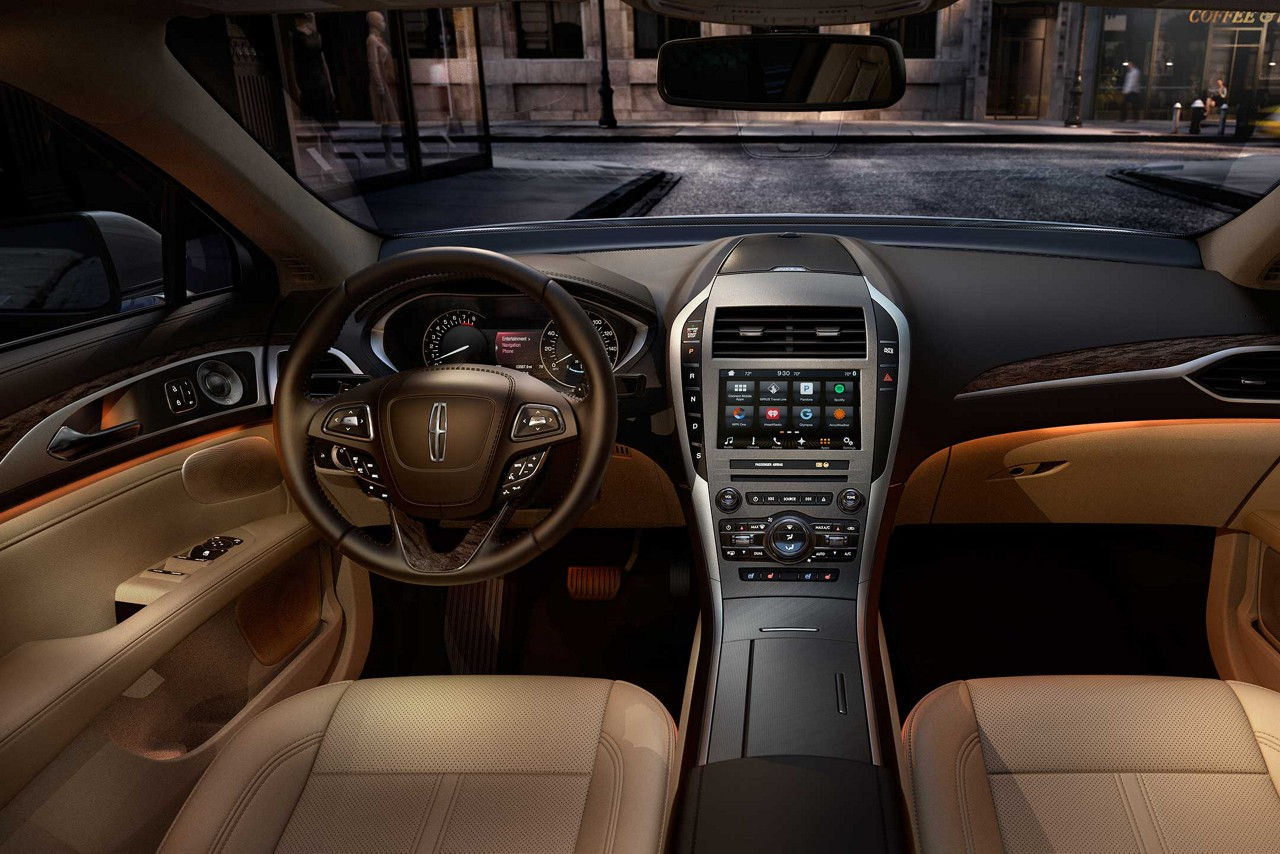 2017 Lincoln Mkz Hybrid Reserve Interior Dashboard