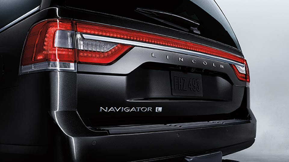 2017 Lincoln Navigator Exterior Rear Black