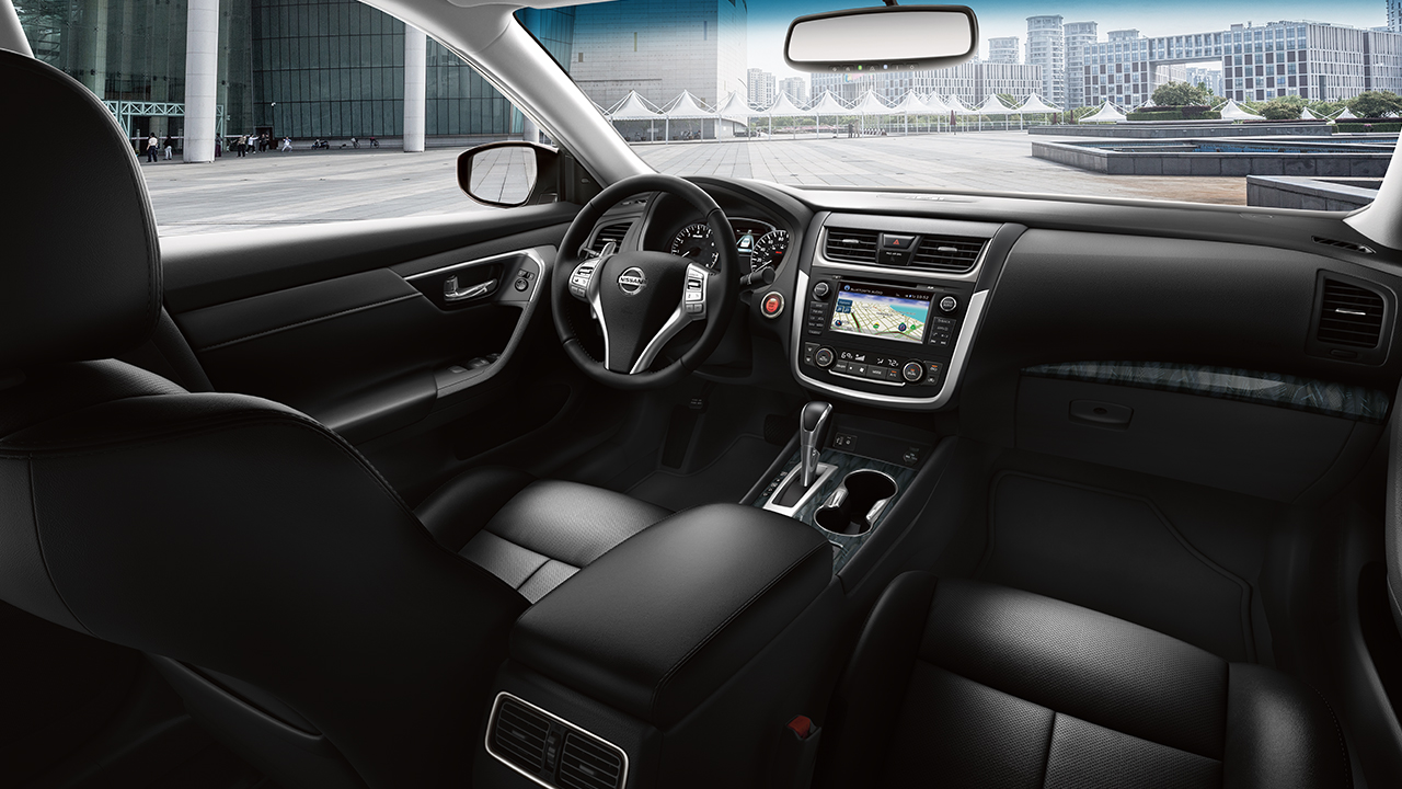 2017 Nissan Altima Front Interior