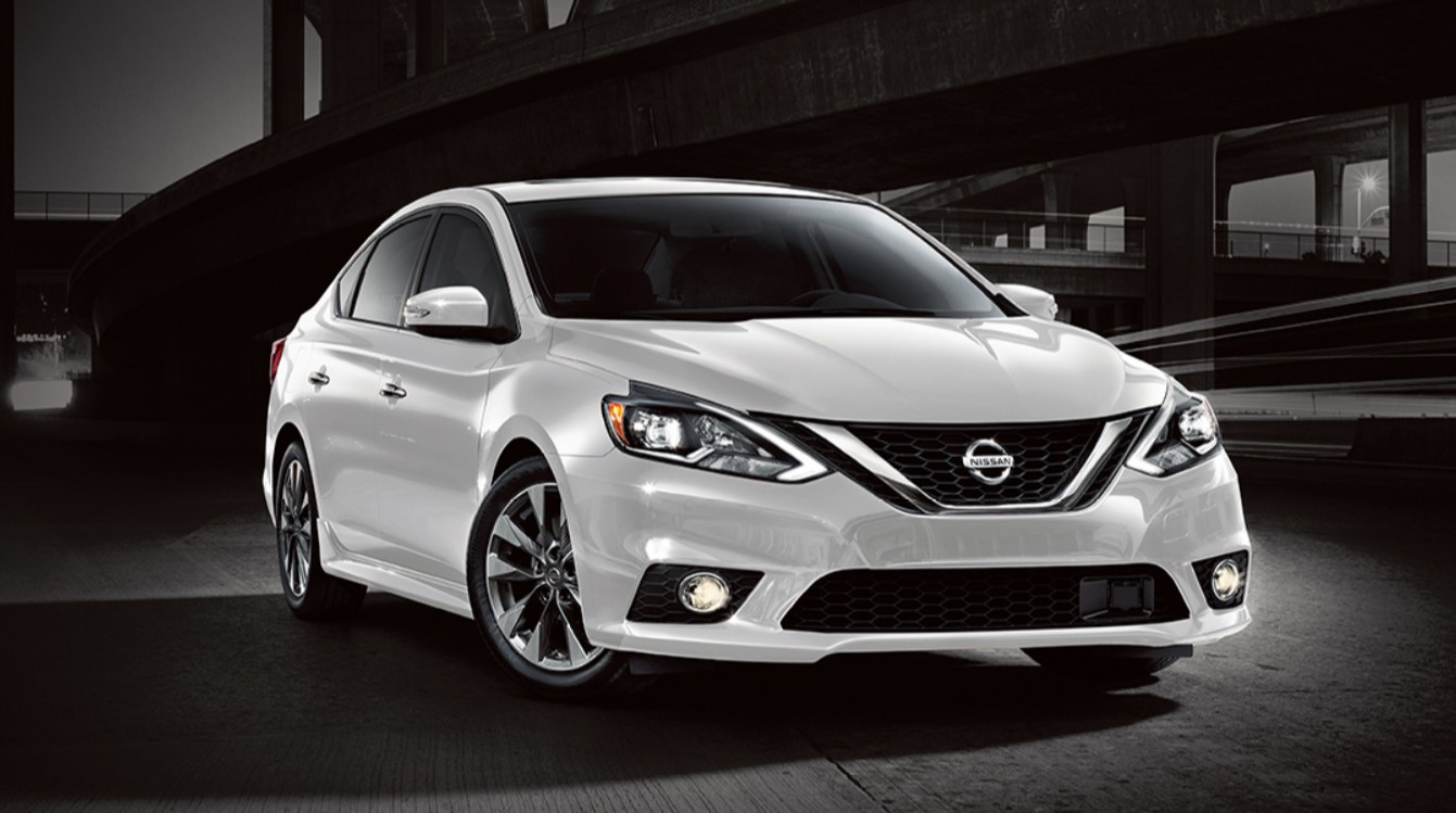 2017 Nissan Sentra Sr Front White Exterior