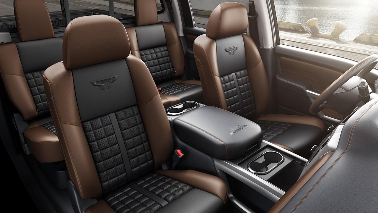 2017 Nissan An Platinum Reserve Interior