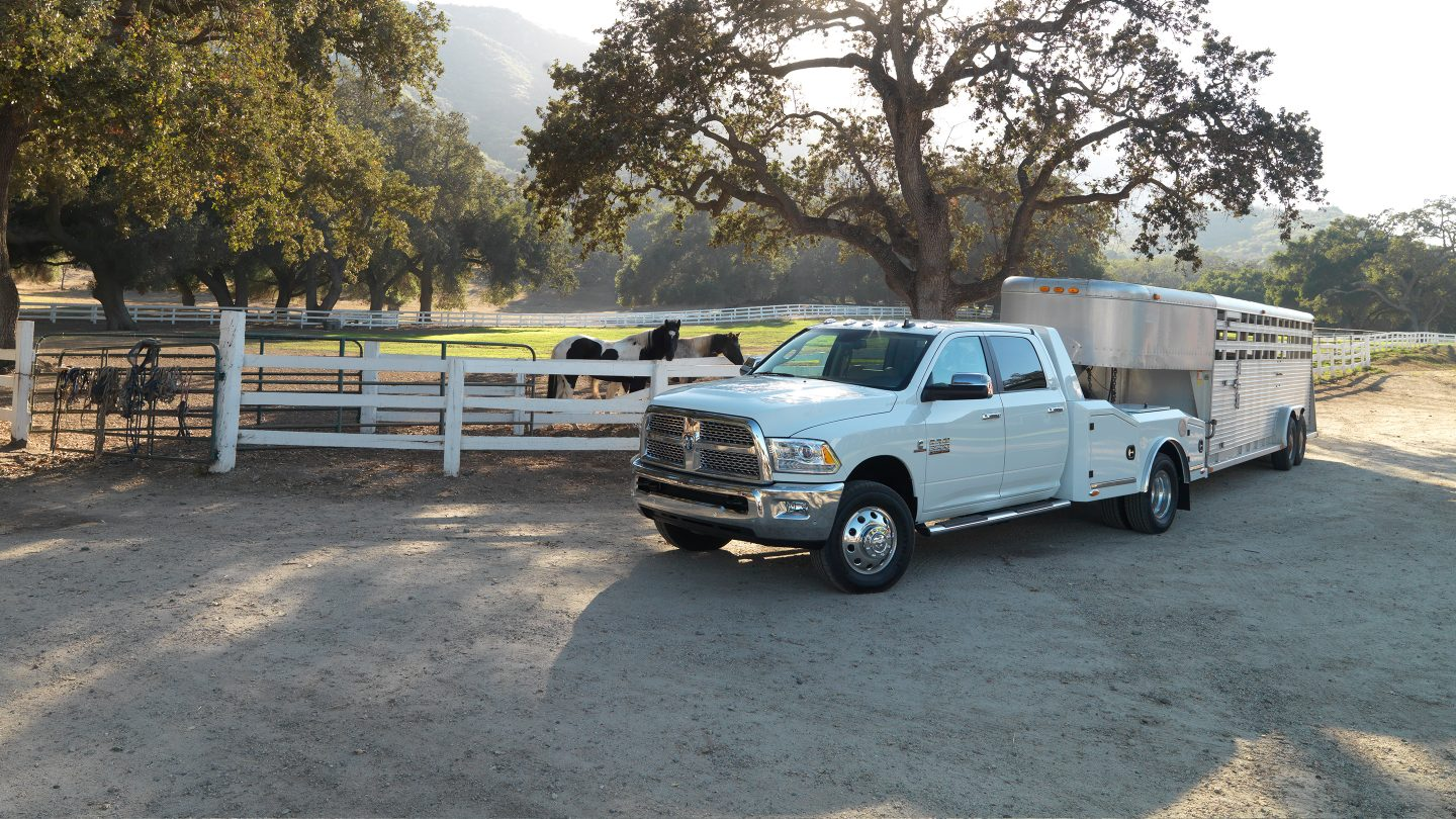 2017 Ram 3500 Chassis Exterior Front White