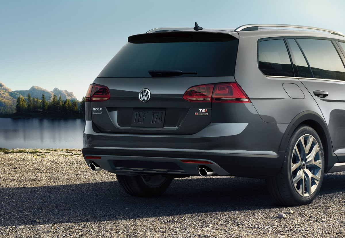 2017 Volkswagen Golf Alltrack Exterior Rear Gray.jpeg