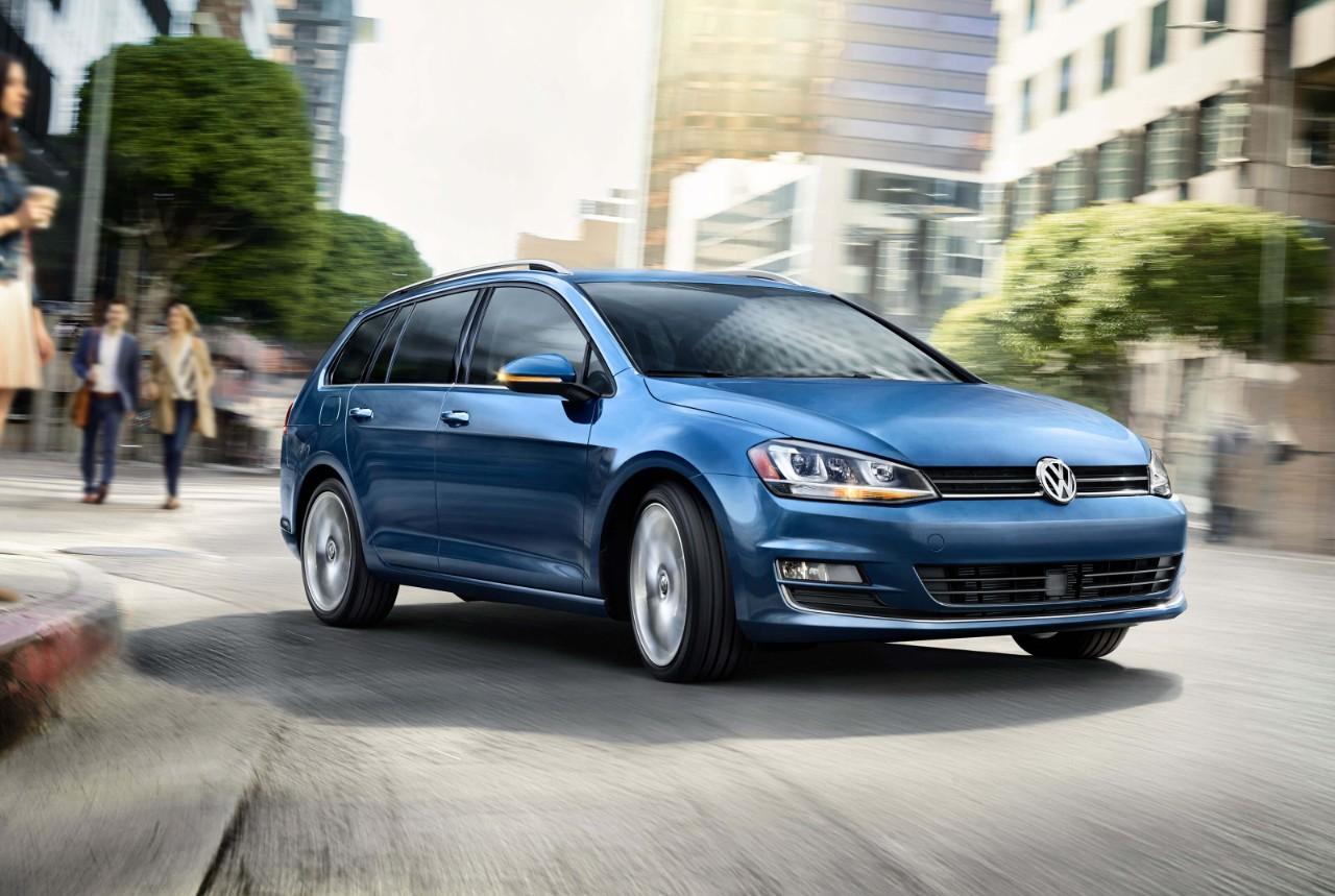 2017 Volkswagen Golf SportWagen Front Exterior Blue