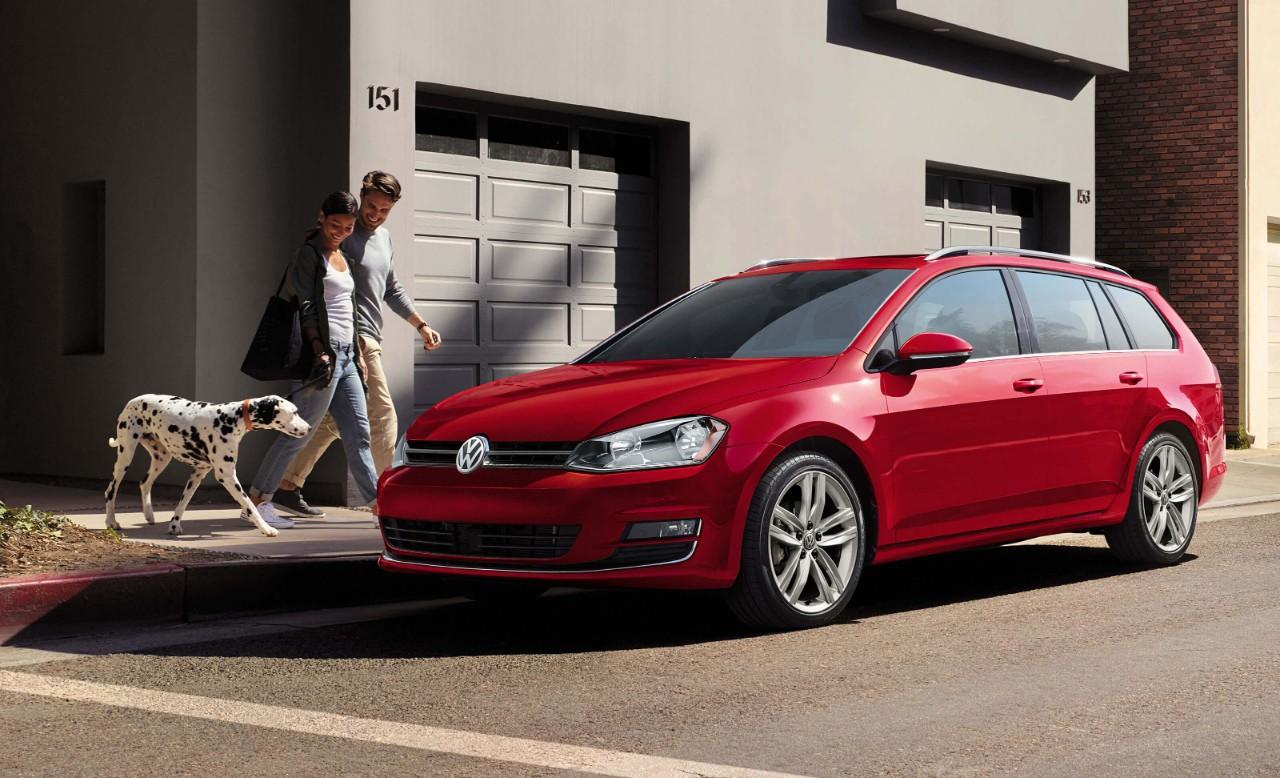 2017 Volkswagen SportWagen Front Red Exterior