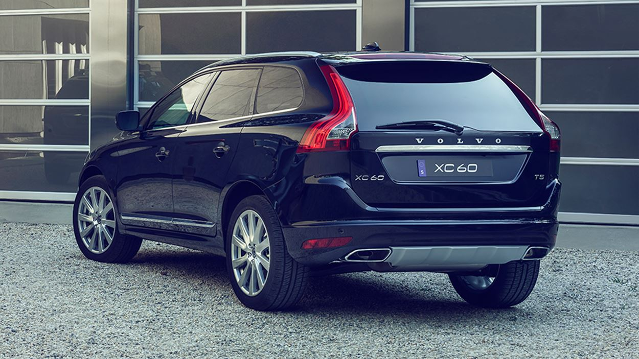 2017 Volvo XC60 Rear Exterior Black