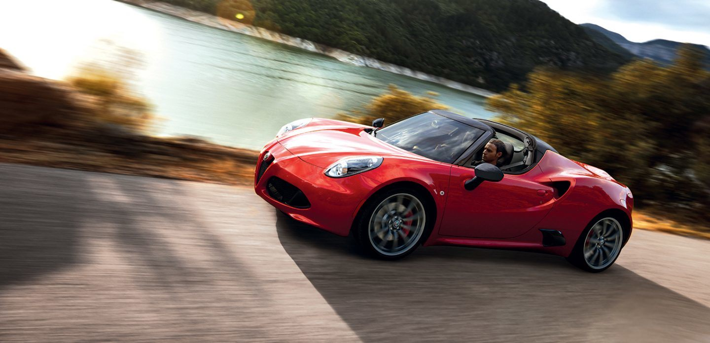 2018 Alfa Romeo 4C Front Red Side Exterior