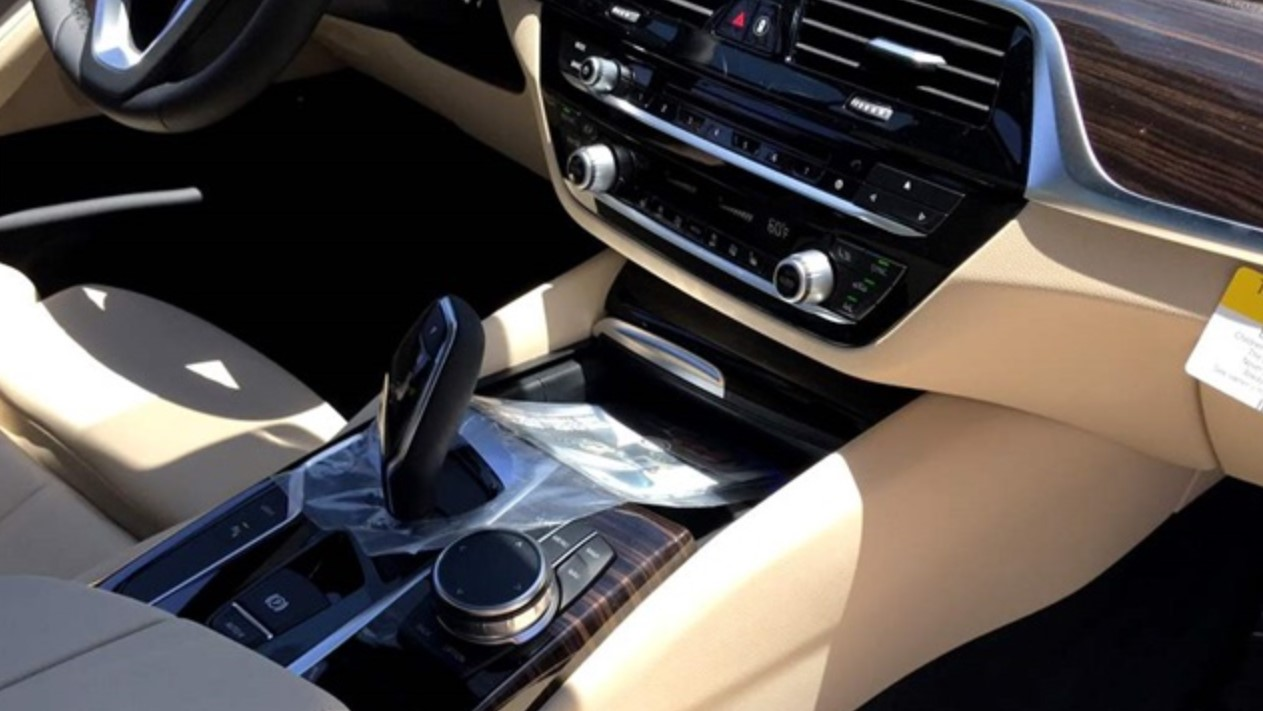 2018 Bmw 5 Series Iperformance Sport Dashboard Interior