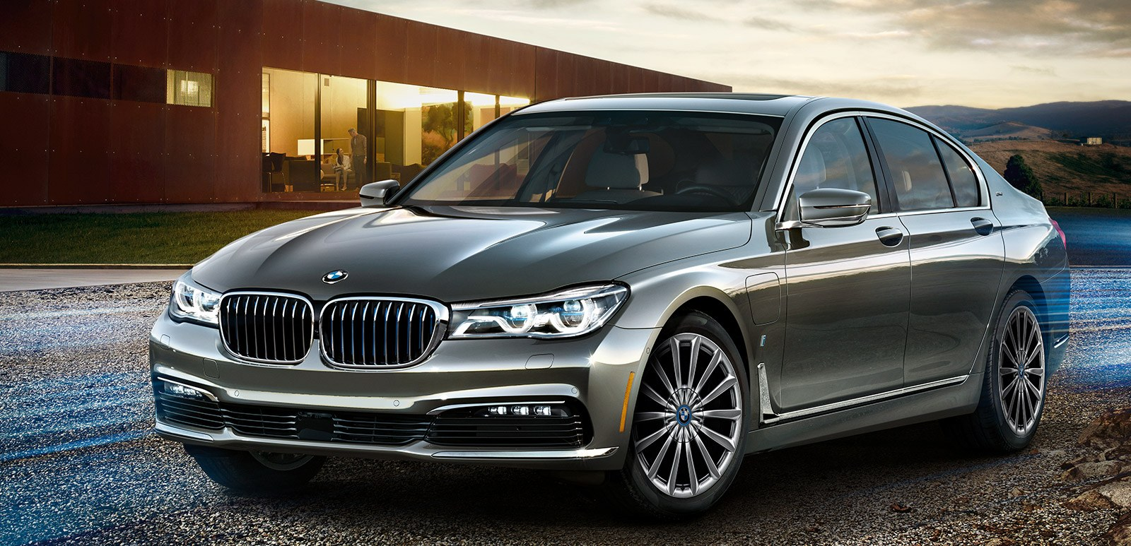 2018 Bmw 740e Xdrive Iperformance Front Exterior