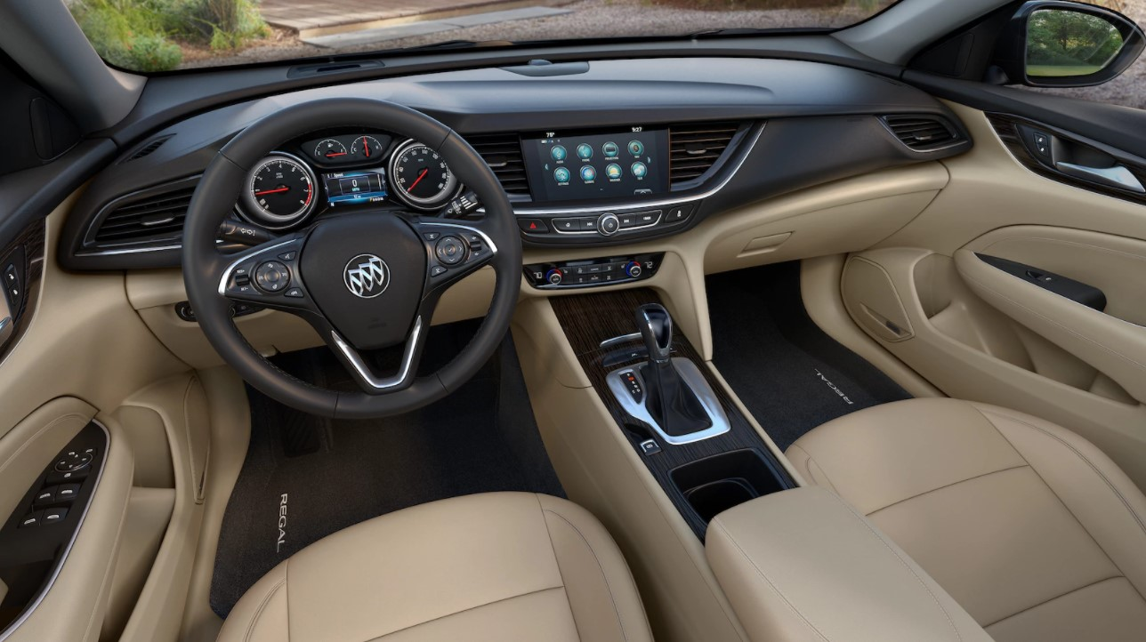 2018 Buick Regal Sportback Front Dashboard Interior