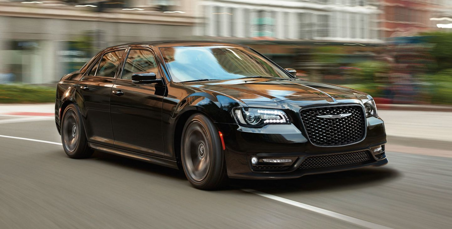 2018 Chrysler 300 Front Black Exterior