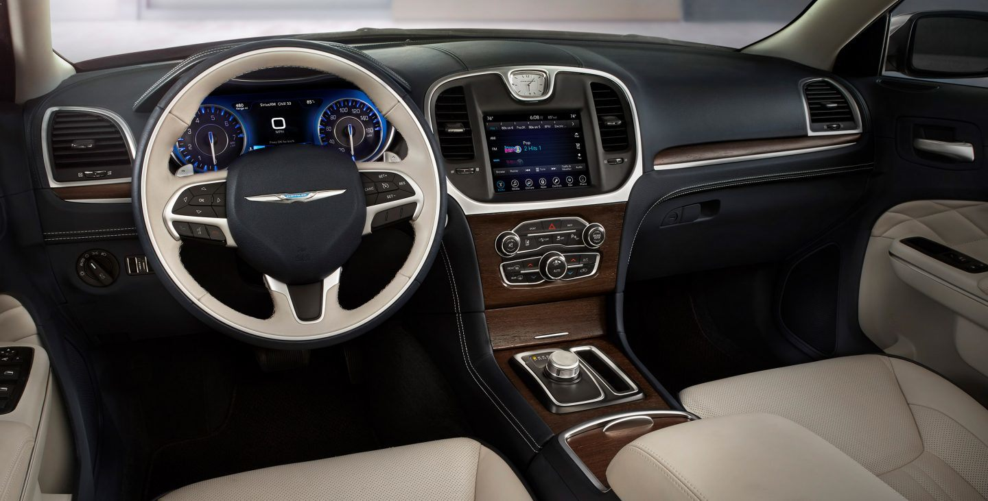 2018 Chrysler 300 Two Tone Front Interior