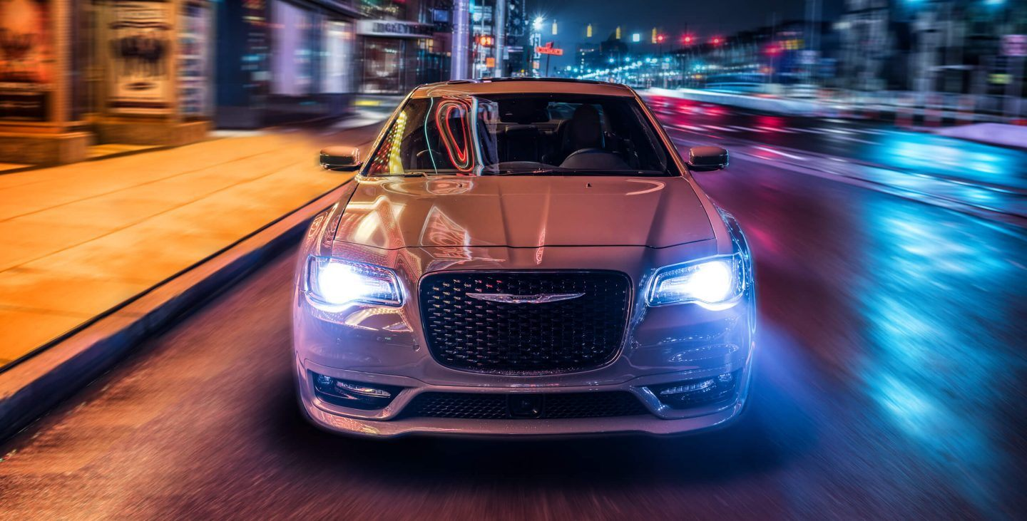 2018 Chrysler 300 Front White Exterior