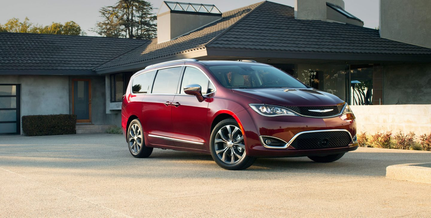2018 Chrysler Pacifica Rear Red Exterior Front View