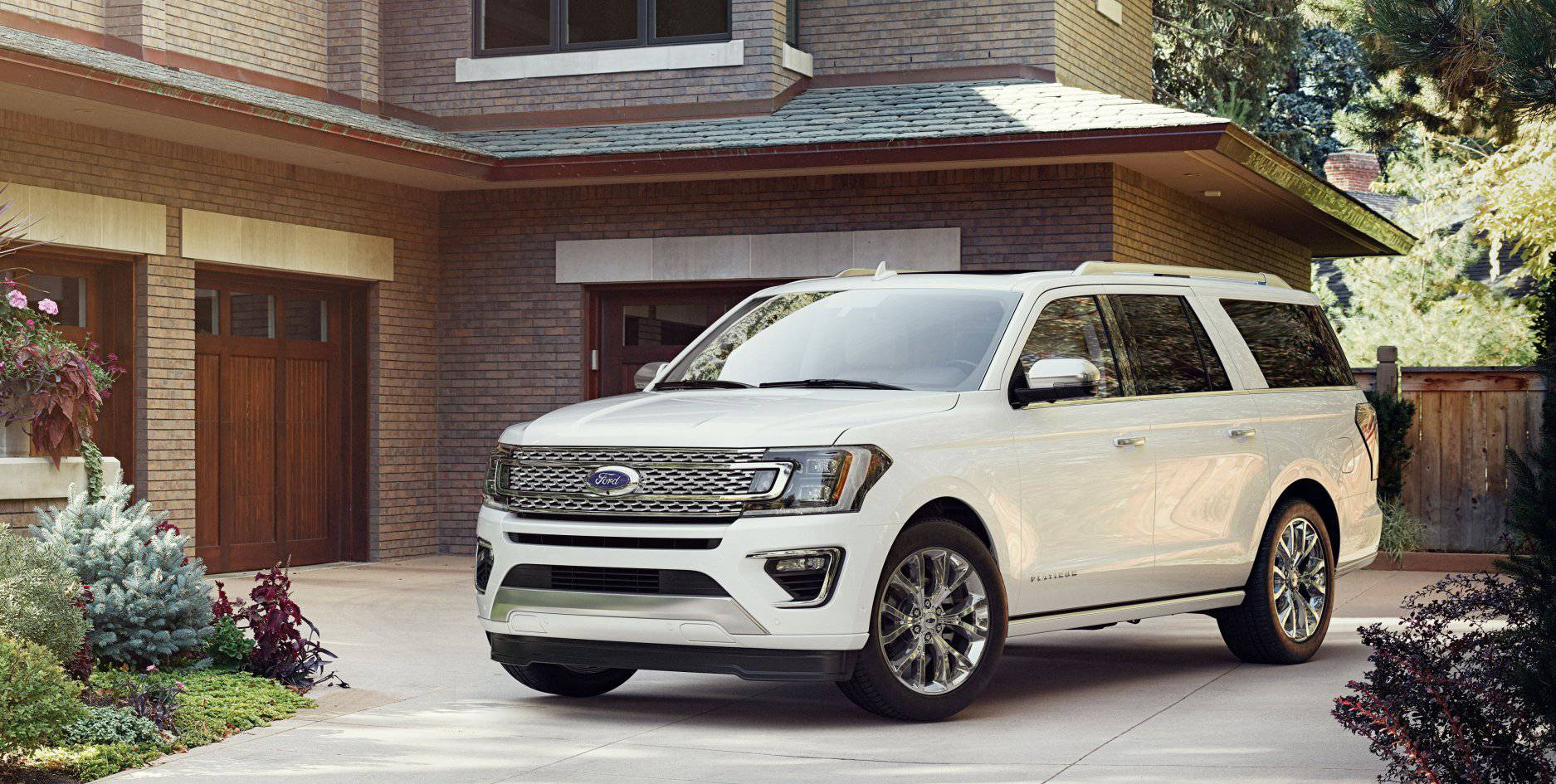 2018 Ford Expedition White Exterior Front View