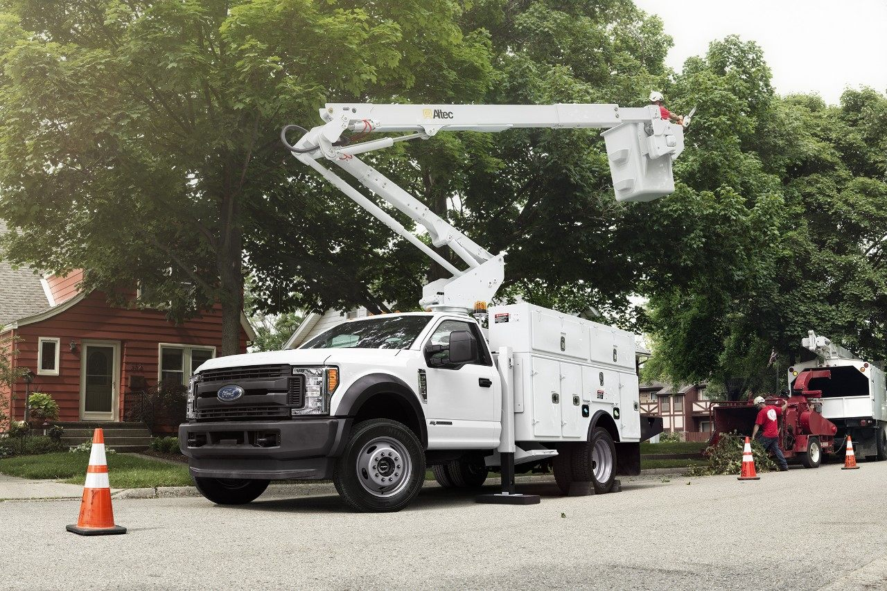 2018 Ford F-350 Chassis White Exterior with Aerial Upfit.jpeg