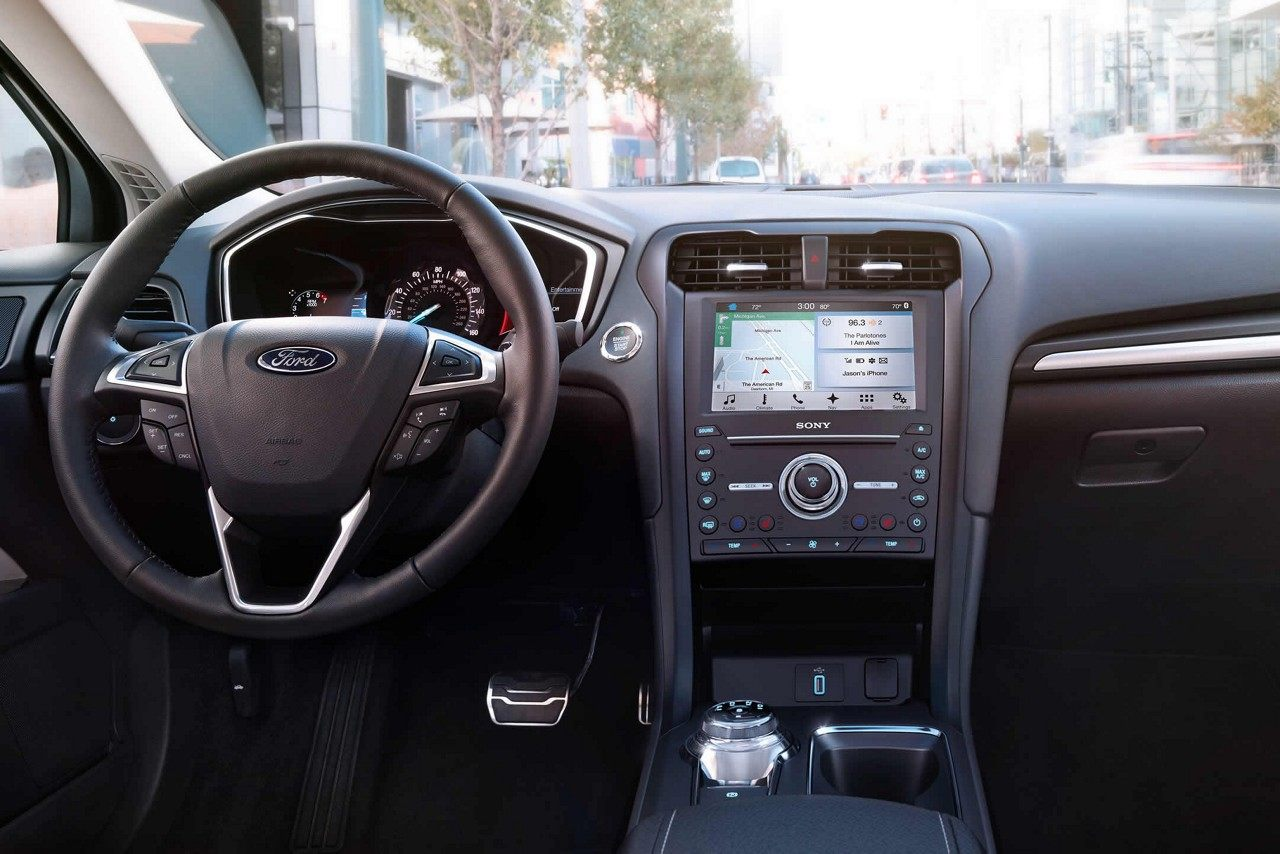 2018 Ford Fusion Front Dashboard Interior.jpeg