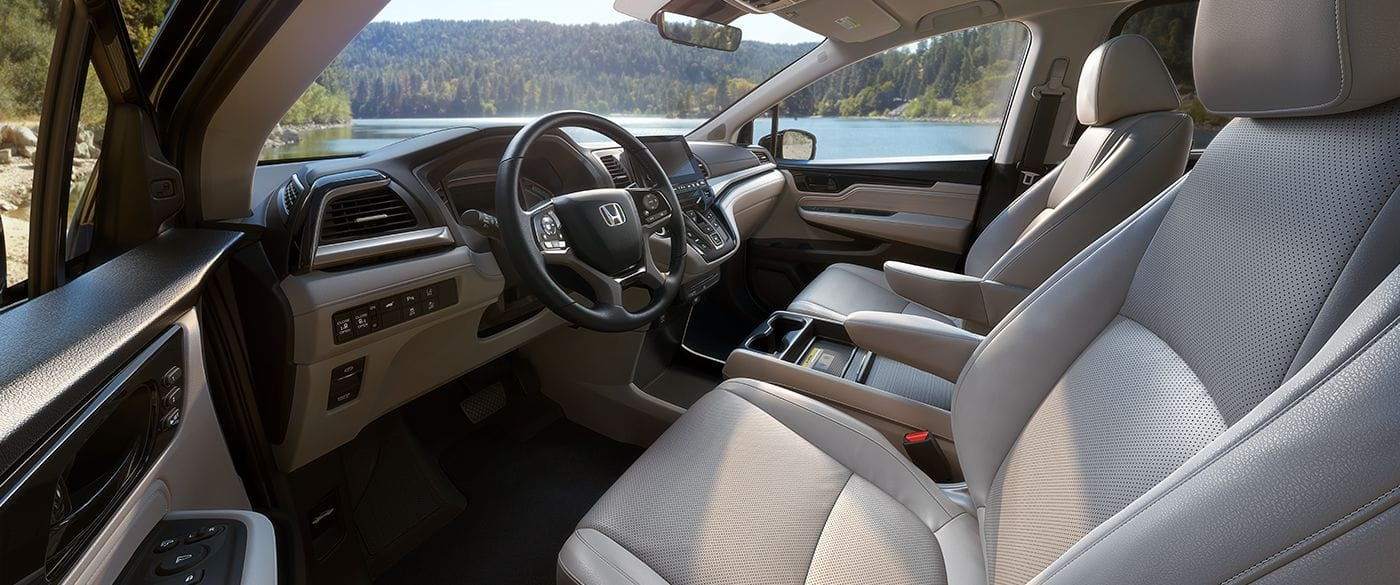 2018 Honda Odyssey LX Interior Front Seating