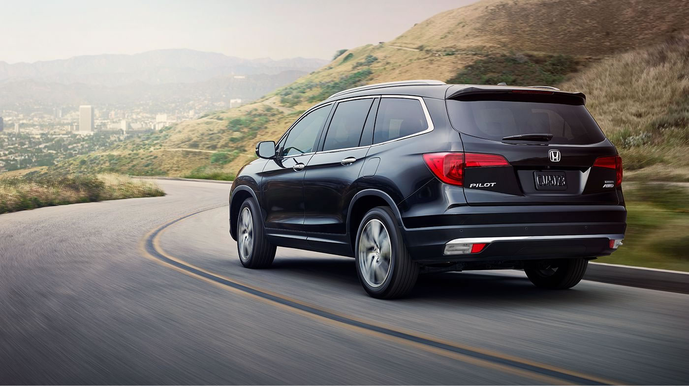 2018 Honda Pilot Elite Black Exterior Rear Picture