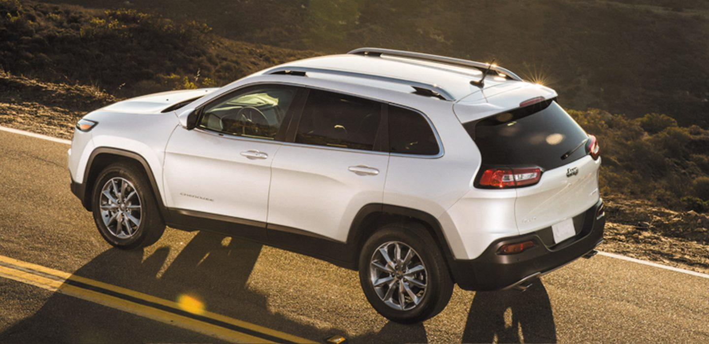 2018 Jeep Cherokee White Rear Exterior