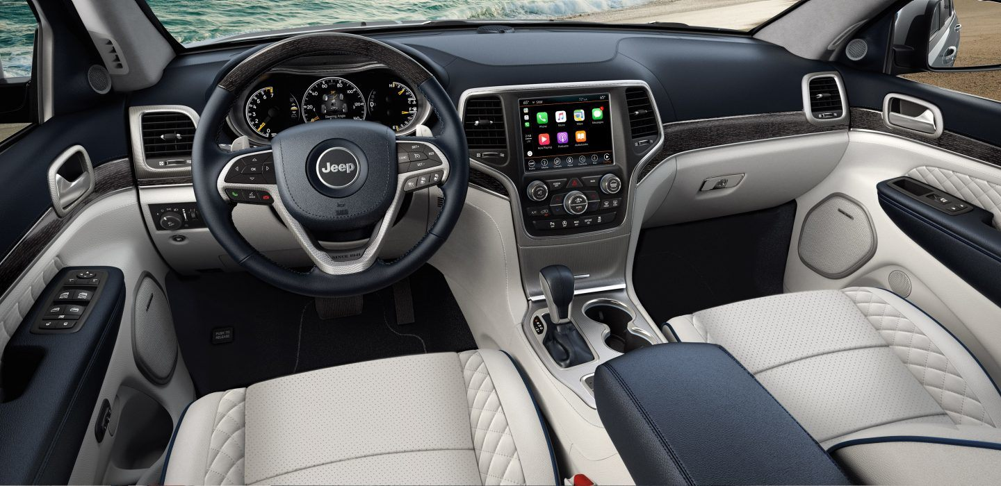 2018 Jeep Grand Cherokee Two Tone Interior